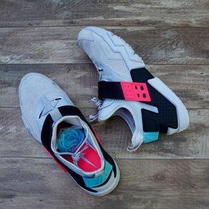 *New* Nike Air Huarache Drift Premium Size 11